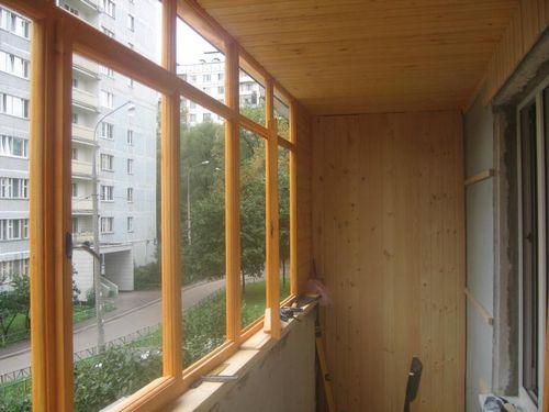 Деревянная отделка балкона в перми - объявление 1266412 на п.